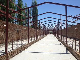 China De geprefabriceerde van het de Workshopstaal van het Staal Structurele Pakhuis Koeiestal en de Bouw leverancier