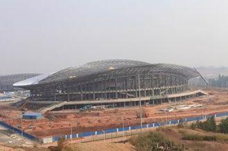 China OEM Staalstructuur, Geprefabriceerde de Bundelgebouwen van het Pijpmetaal en Sportenstadions leverancier